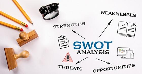 Year-End SWOT Analysis Can Uncover Risks Image